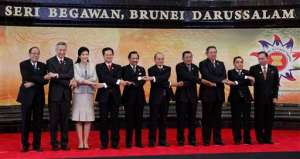 Benigno Aquino III, Lee Hsien Loong, Yingluck Shinawatra, Nguyen Tan Dung, Hassanal Bolkiah, Thein Sein, Hun Sen, Susilo Bambang Yudhoyono, Thongsing Thammavong, Abu Zahar Ujang